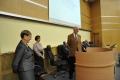 kubek z logo CCSU dla dr Bożeny Mielczarek - wręcza prof. Walter Parker